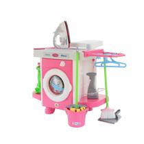 Изображение Стиральная машина с утюжком и принадлежностями для уборки